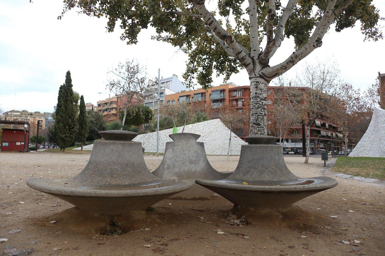 Parque de la Estación del Norte, sculptures by Beverly Pepper, Barcelona