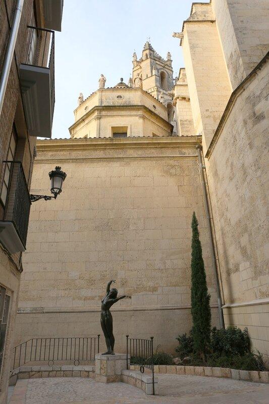 Реус. скульптура Ветер (El Vent)