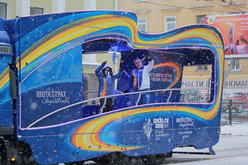 Эстафета олимпийского огня в Кирове: промо-автомобиль ингосстраха
