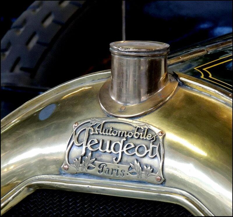 Autoworld 7998 Peugeot VD2 Coupe de Ville 1915