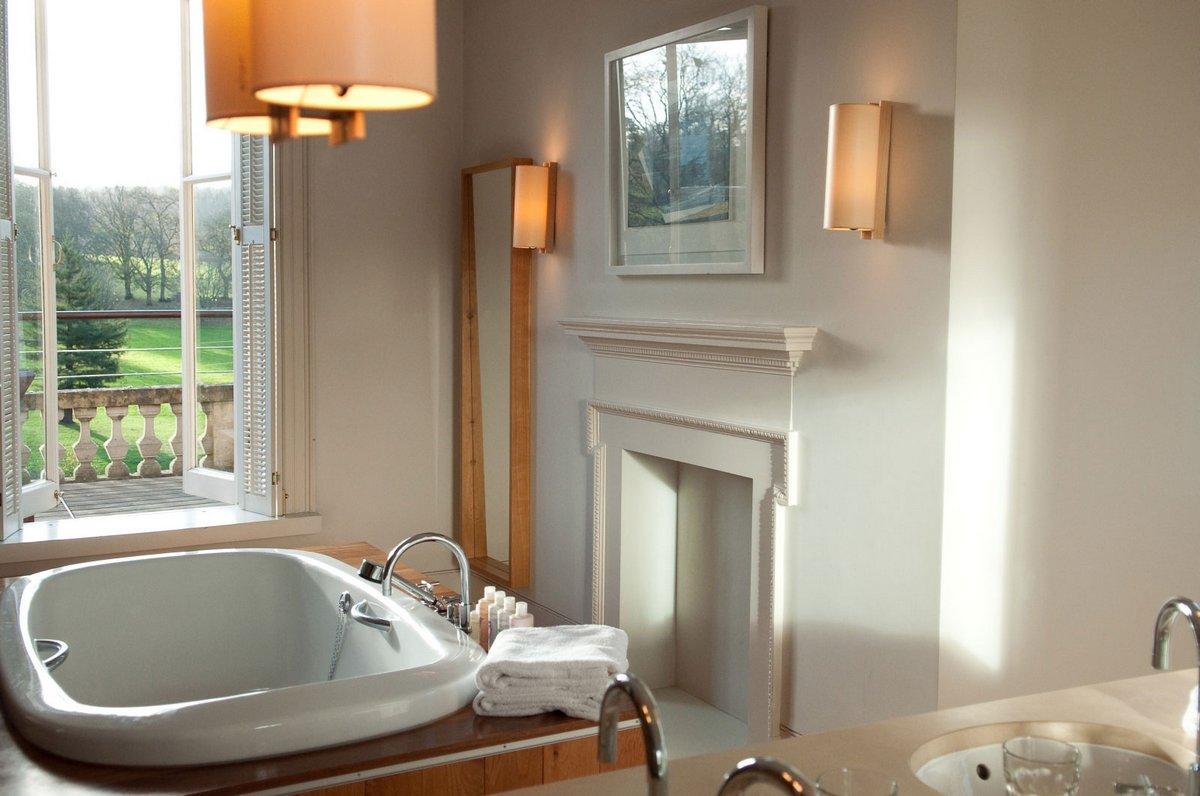 Cowley Manor, отели в Челтнем, отели в графстве Глостершир, лучшие отели Англии, уединенный отель фото, дизайн отеля, викторианская архитектура