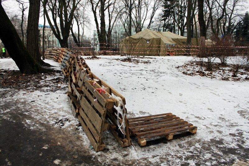Граница палаточного города Партии Регионов