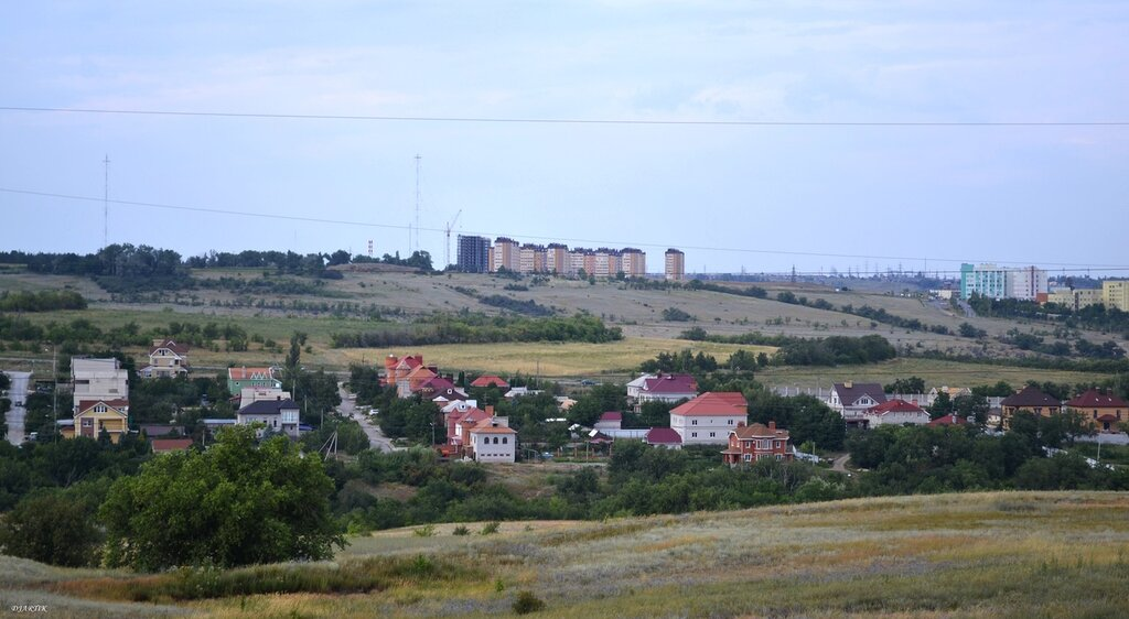 Горная поляна. Янтарный город.