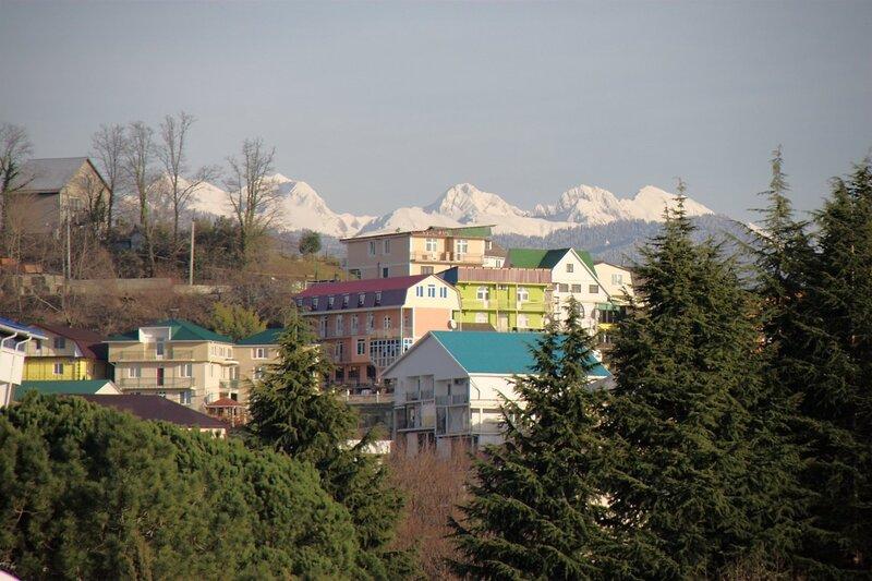 Горы над городом