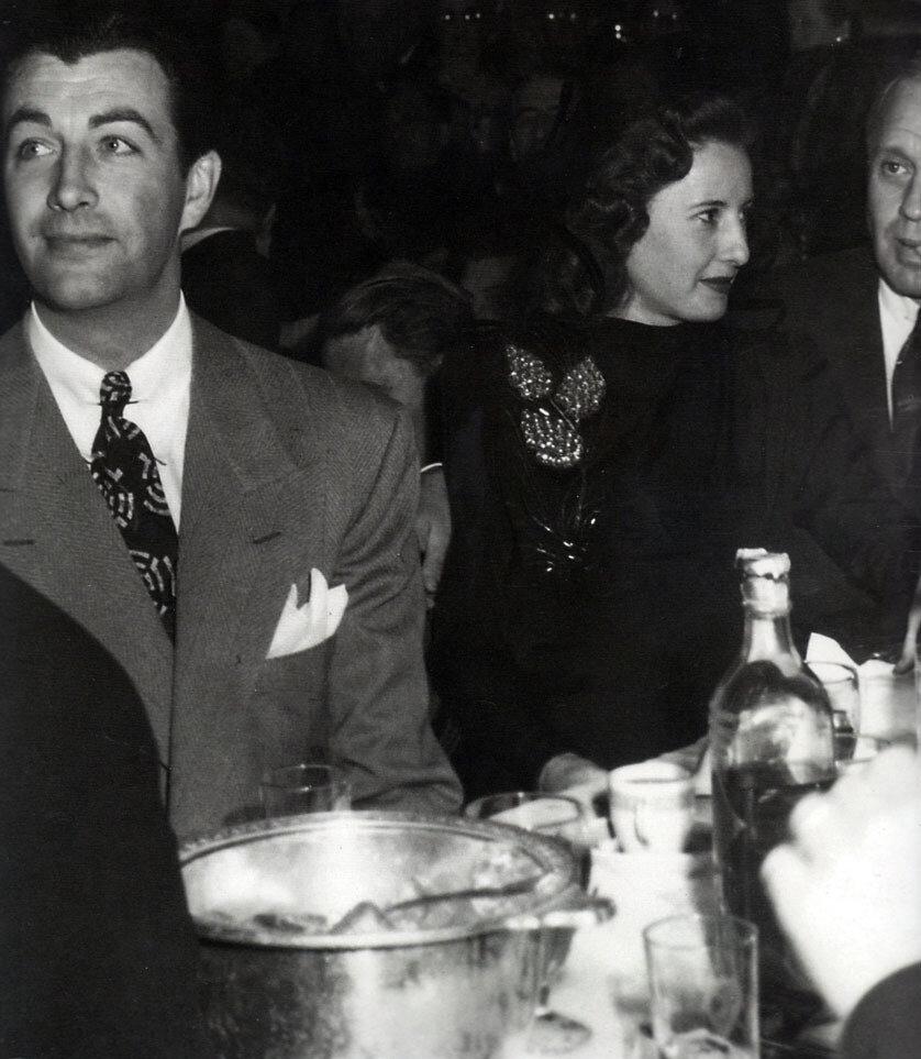 1942. Роберт Тейлор, Барбара Стэнвик и Джек Бенни,