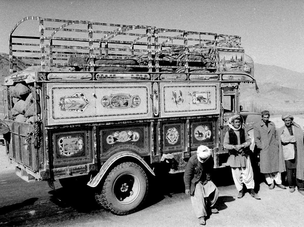 Афганистан. Местный грузовик