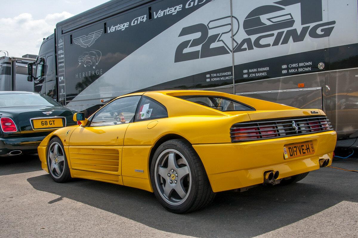 Ferrari 348 не может быть старой!