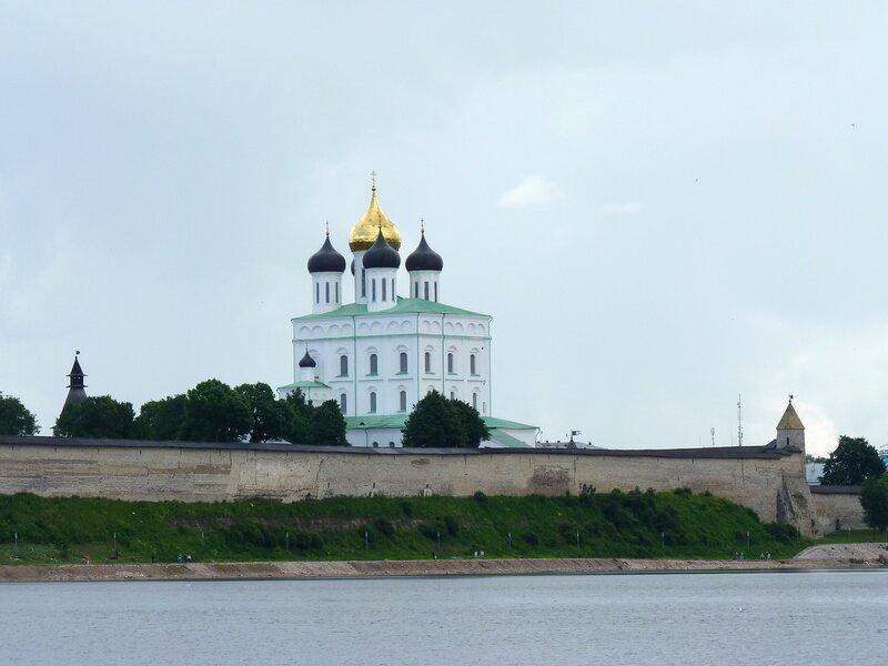 Псков. Прогулка по реке Великой на теплоходе