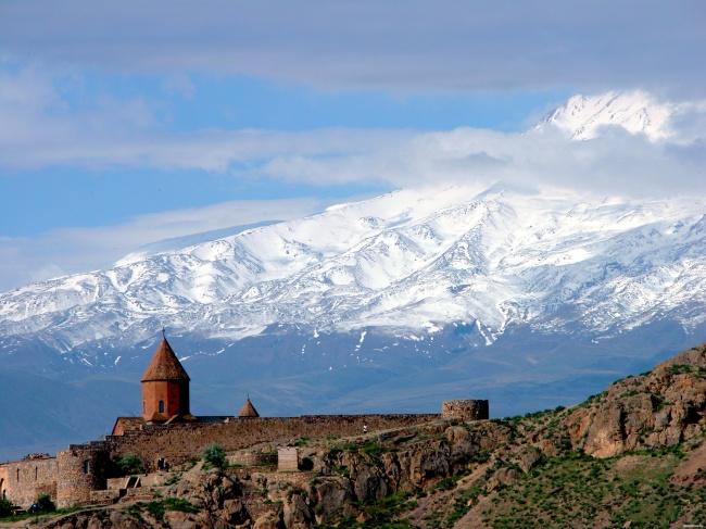 Маленькие размеры Армении недолжны вводить взаблуждение, это одно изсамых старых государств вмир