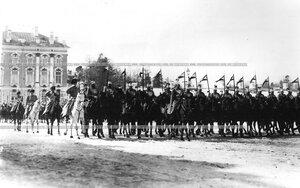 Парад конного полка церемониальный марш эскадрона его величества.