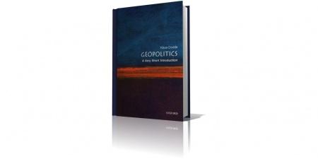 Книга Geopolitics: A Very Short Introduction (2007), K. Dodds. Клаус Доддс — профессор геополитики в колледже Ройял-Холлоуэй Лондонск