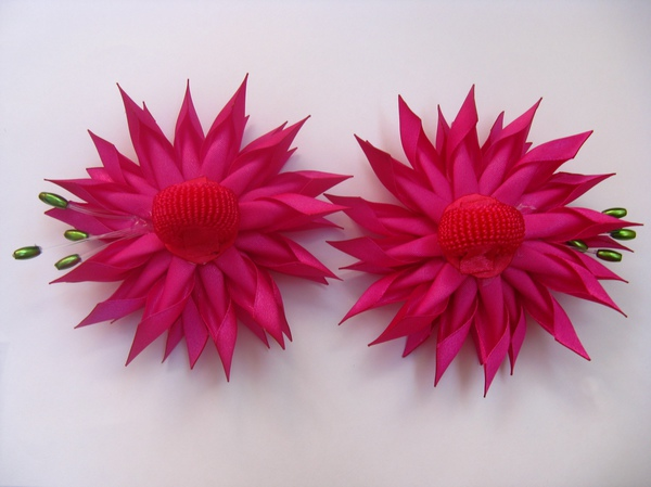 Летнее украшение для волос с цветами георгины