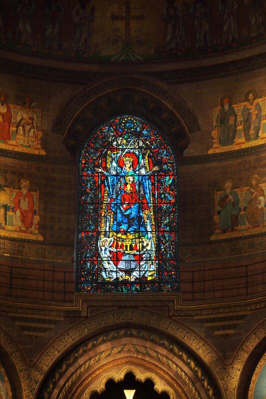 Страсбургский собор. Алтарь. Витраж 1956 г.