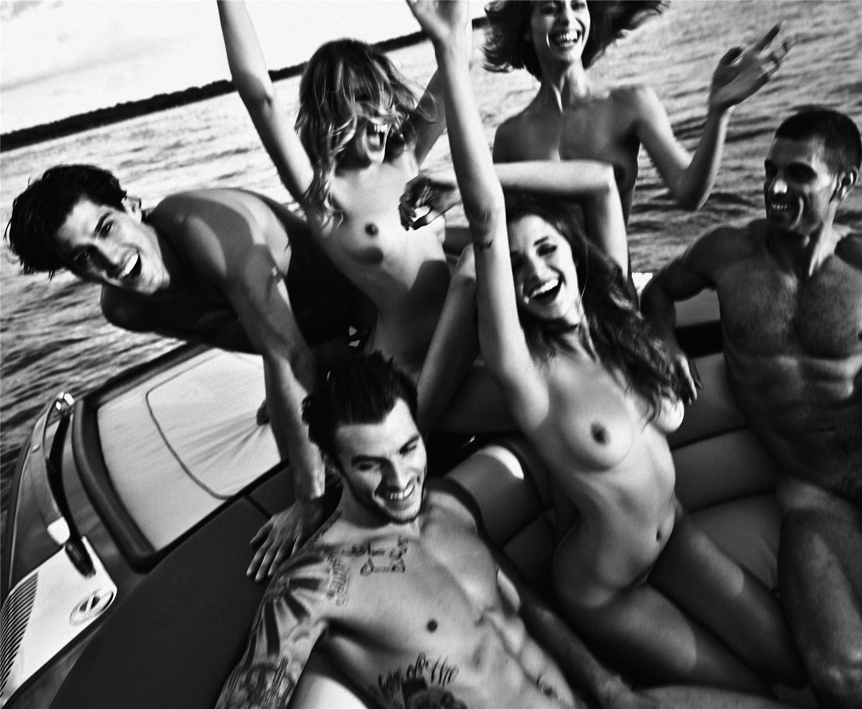 Отдых с сексуальными девушками на катере / Alyssa Arce, Alice Auffray, Adriana by Leonardo Corredor