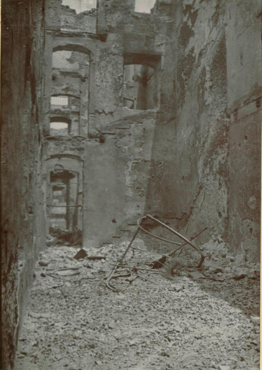Руины Колониального банка