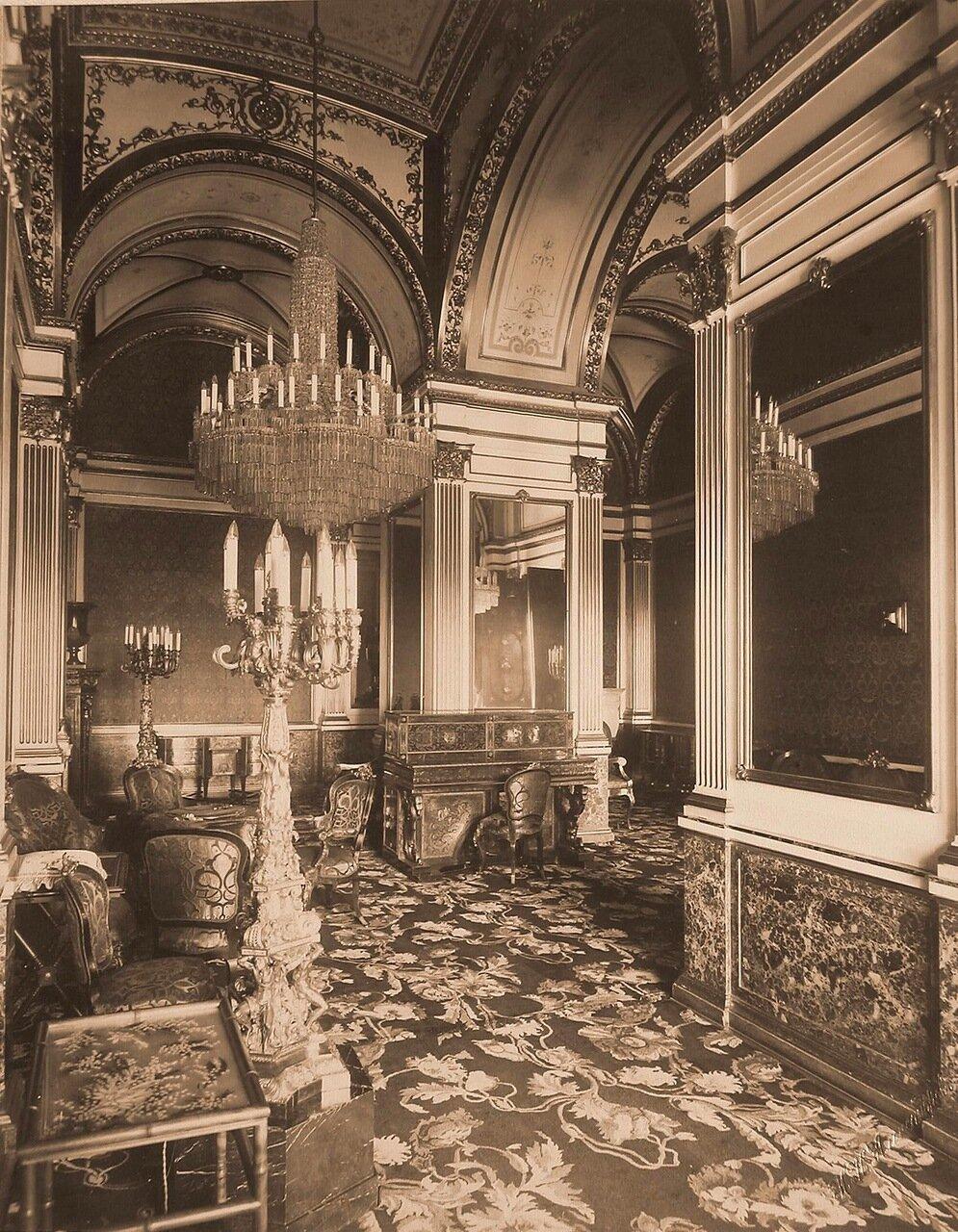 Интерьер кабинета императрицы в Собственной половине Большого Кремлёвского дворца