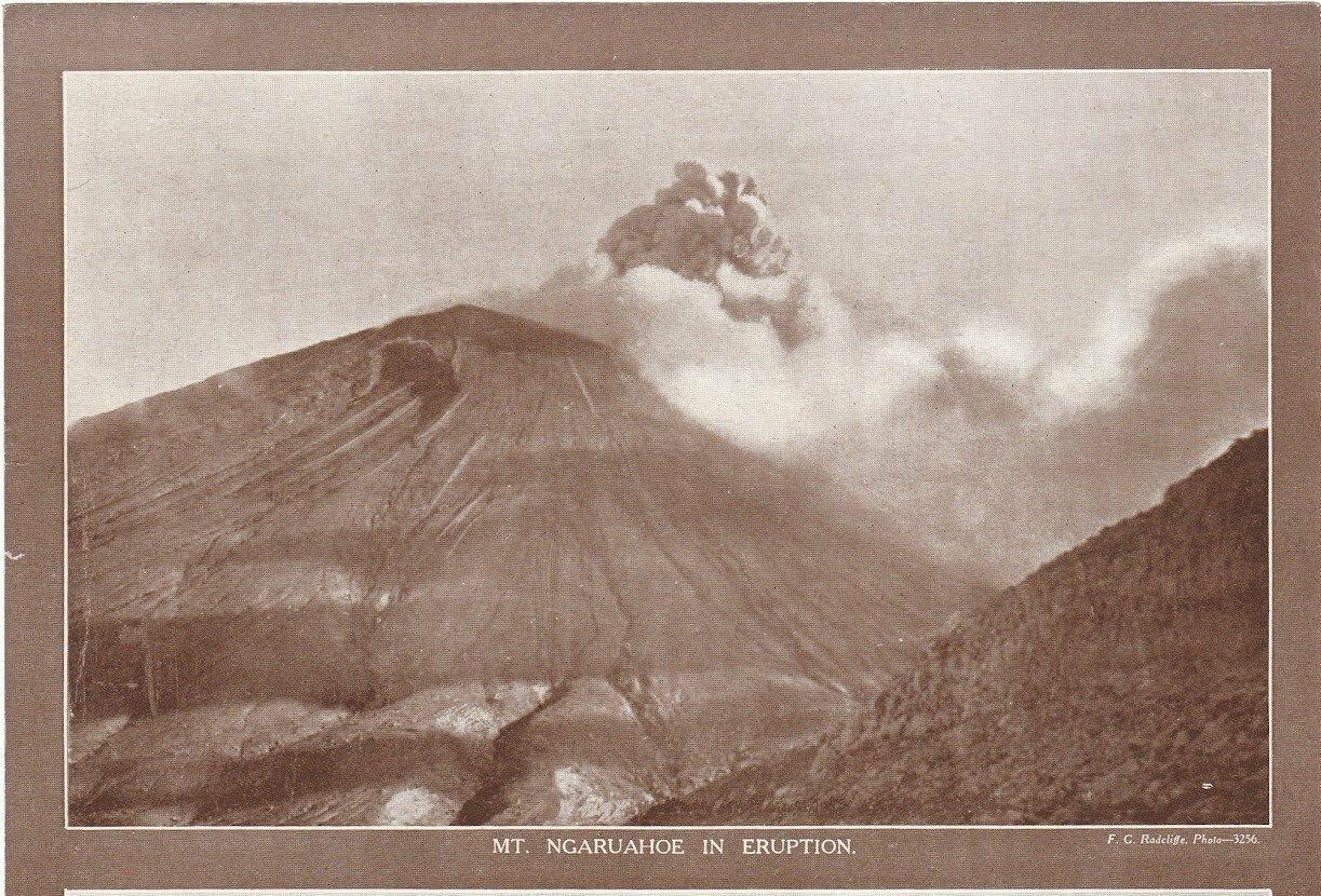 Вулкан Нгаурухоэ. Извержение