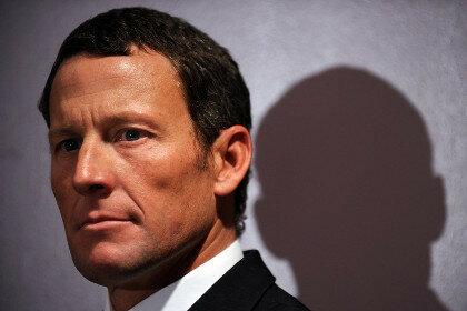 У Армстронга забрали орден Почетного легиона из-за допинга