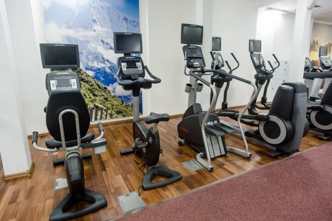 фитнес зал тренажеры