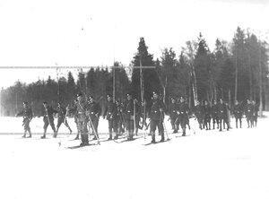Отряд солдат 3-го стрелкового полка на учении в 1-ой Петербургской императора Александра III бригаде отдельного корпуса пограничной стражи.