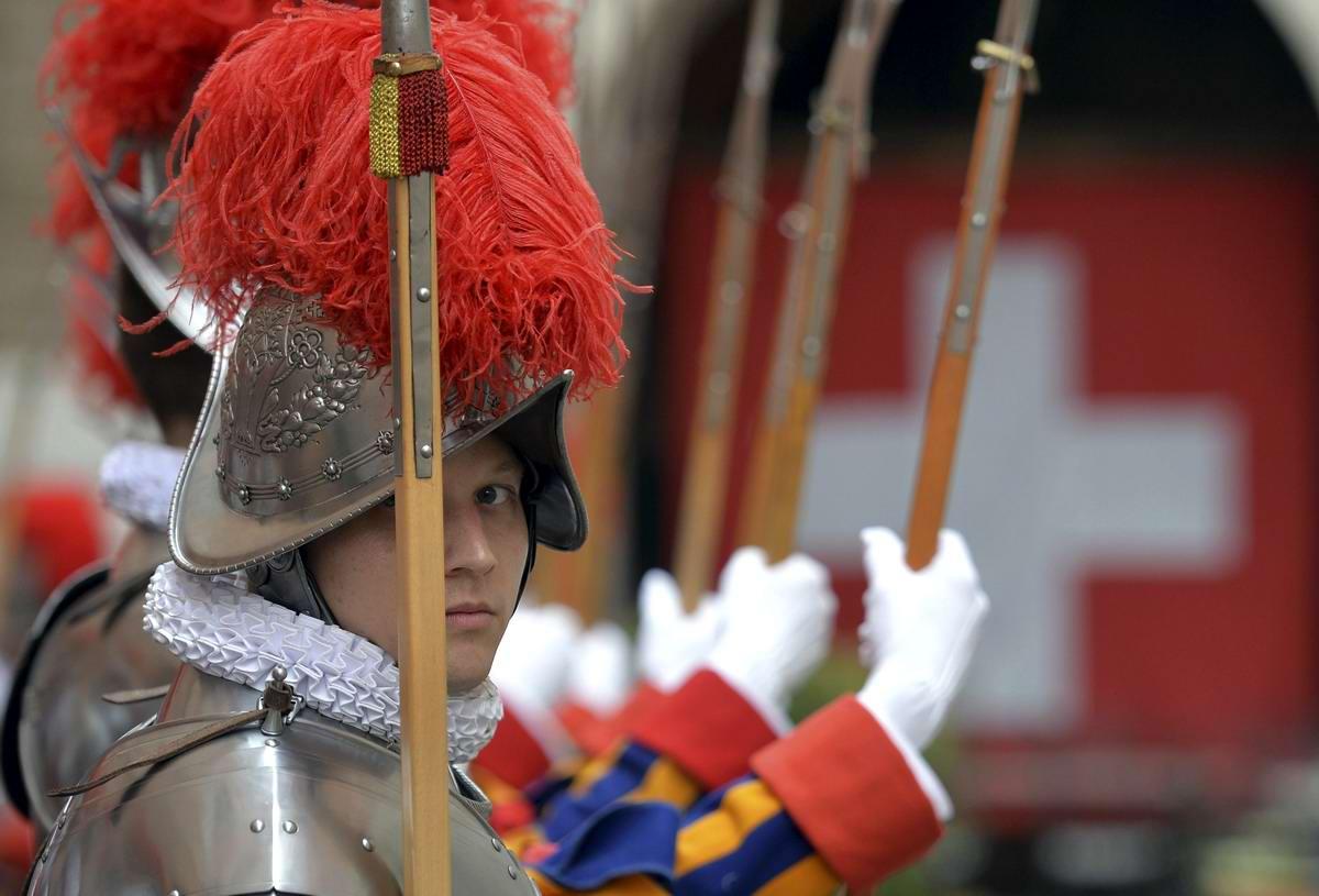 Швейцарская гвардия Ватикана: Новобранцы присягают на верность Папе Римскому (18)
