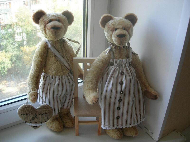 два медведя из ткани