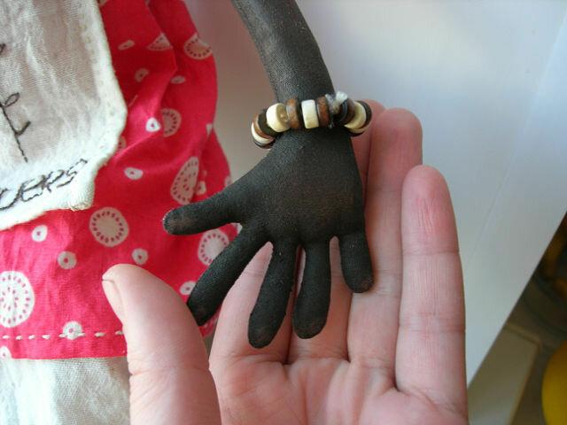 фото браслет на кукле