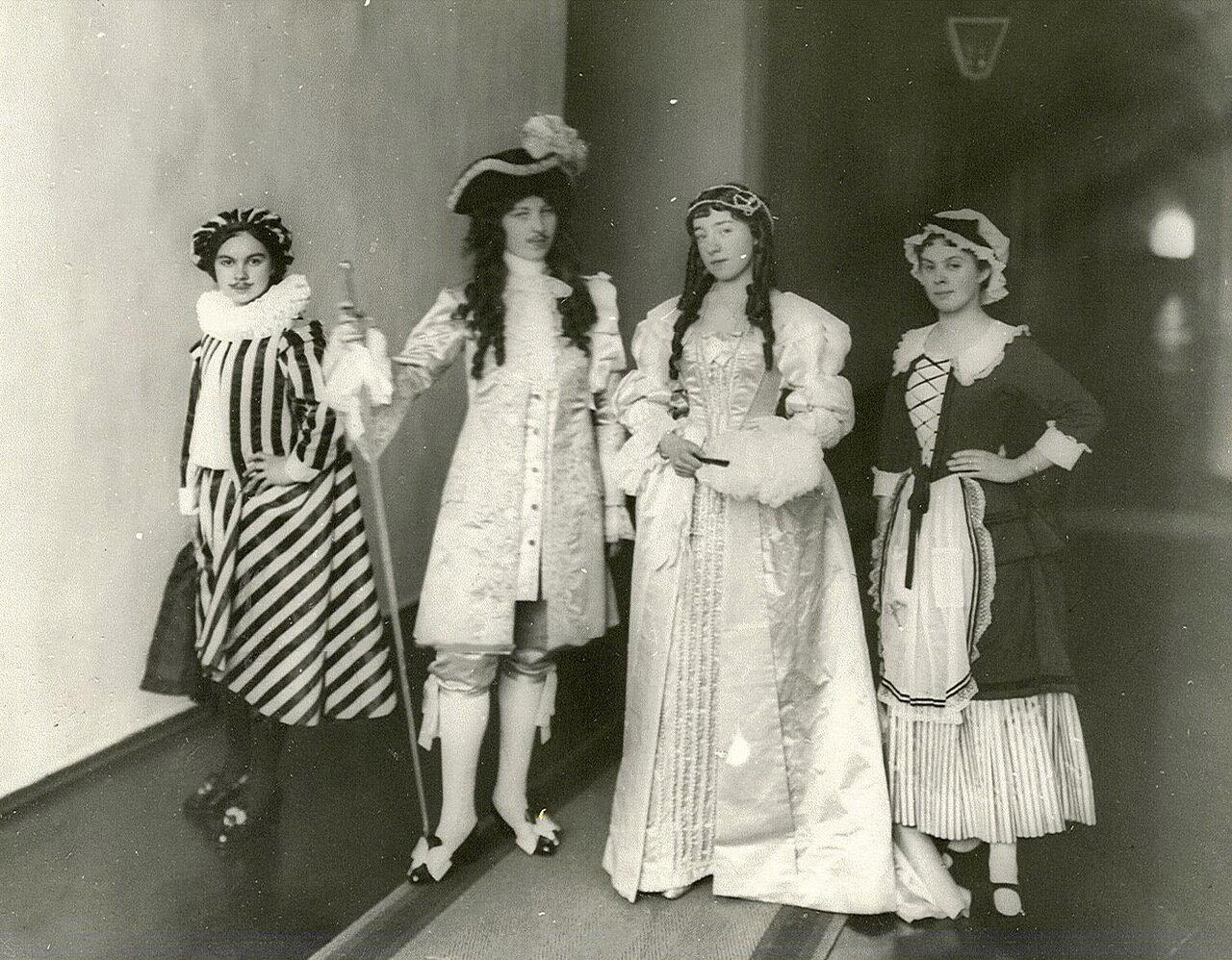 62. Группа воспитанниц Смольного института в маскарадных костюма
