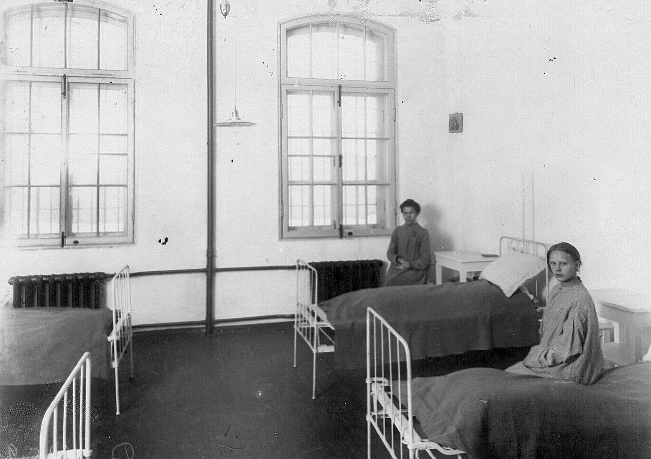 08. Арестантки в камере тюрьмы