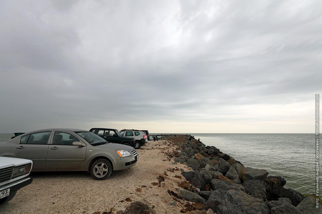 Ейск — курортный город. Но 5 мая пляжи на Ейской косе были пустынны, заметили только несколько рыбаков