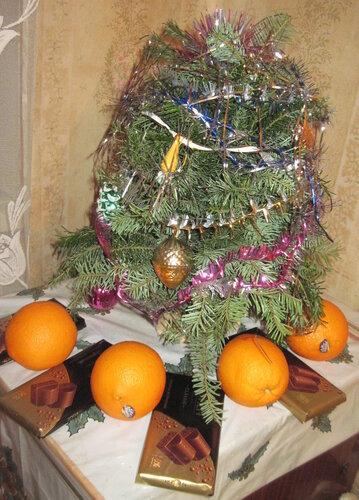 елка, апельсины, шоколад