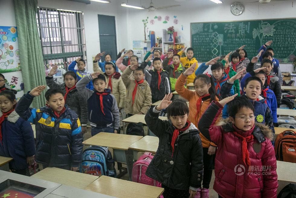 Обычный день в обычной китайской школе (6 фото)