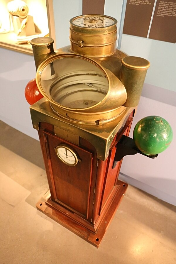 Maritime Museum of Barcelona. Magnet compass