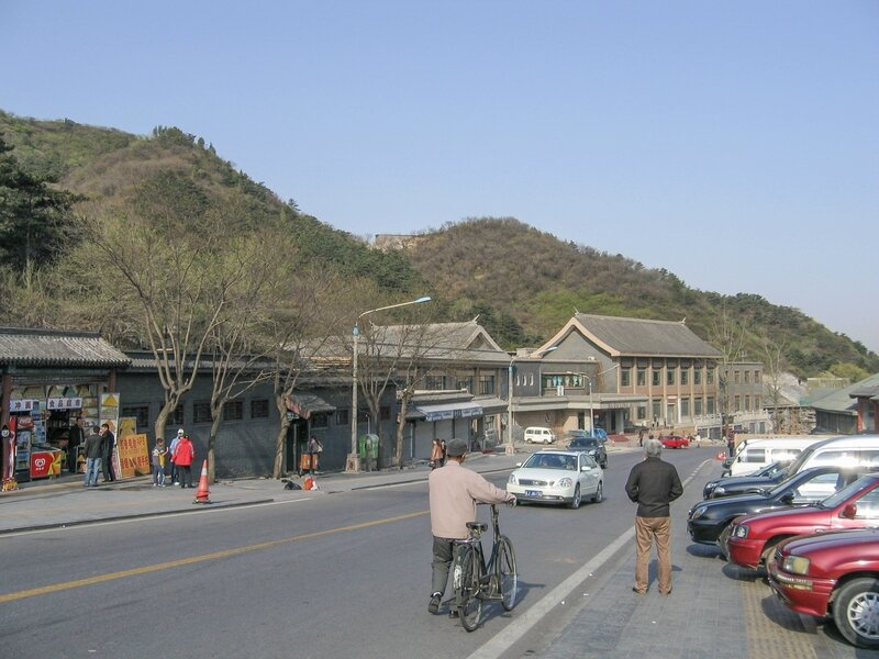 Стоянка, Великая китайская стена, Бадалин
