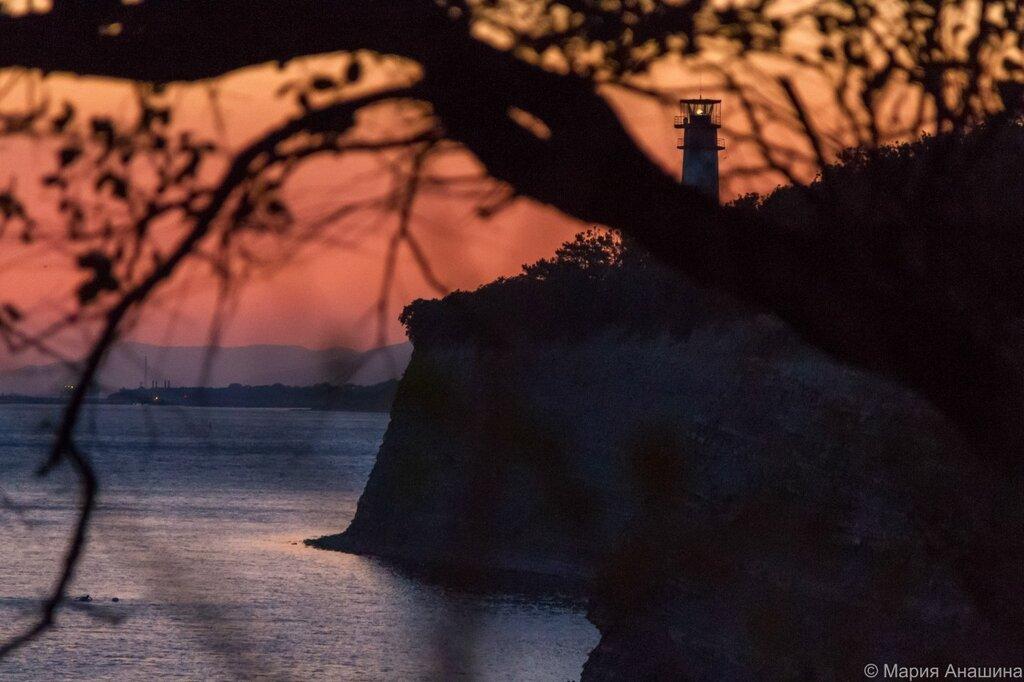Геленджикский маяк, Толстый мыс