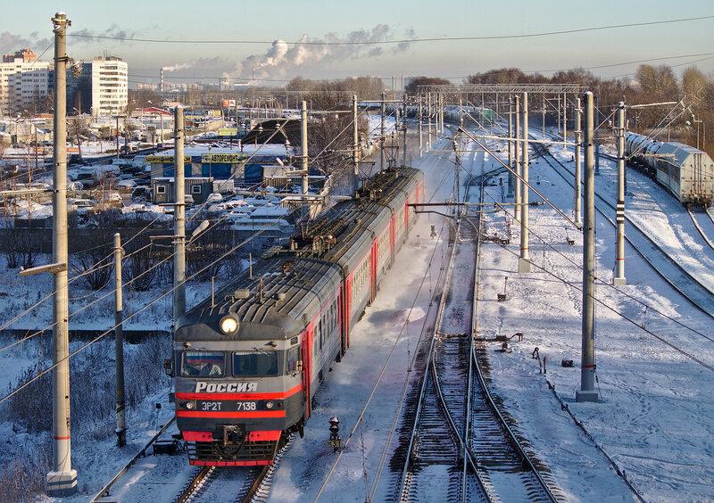 ЭР2Т-7138, станция Лигово.