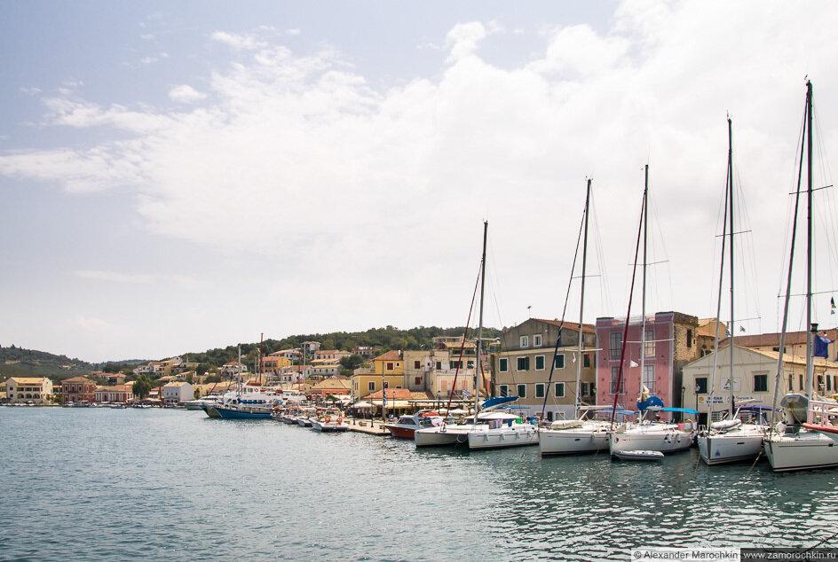 Порт Гайос, вид с моря