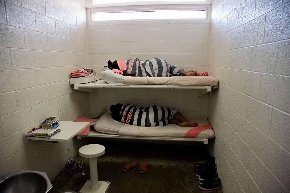 Досмотр женщин в американской тюрьме виде фото 777-857