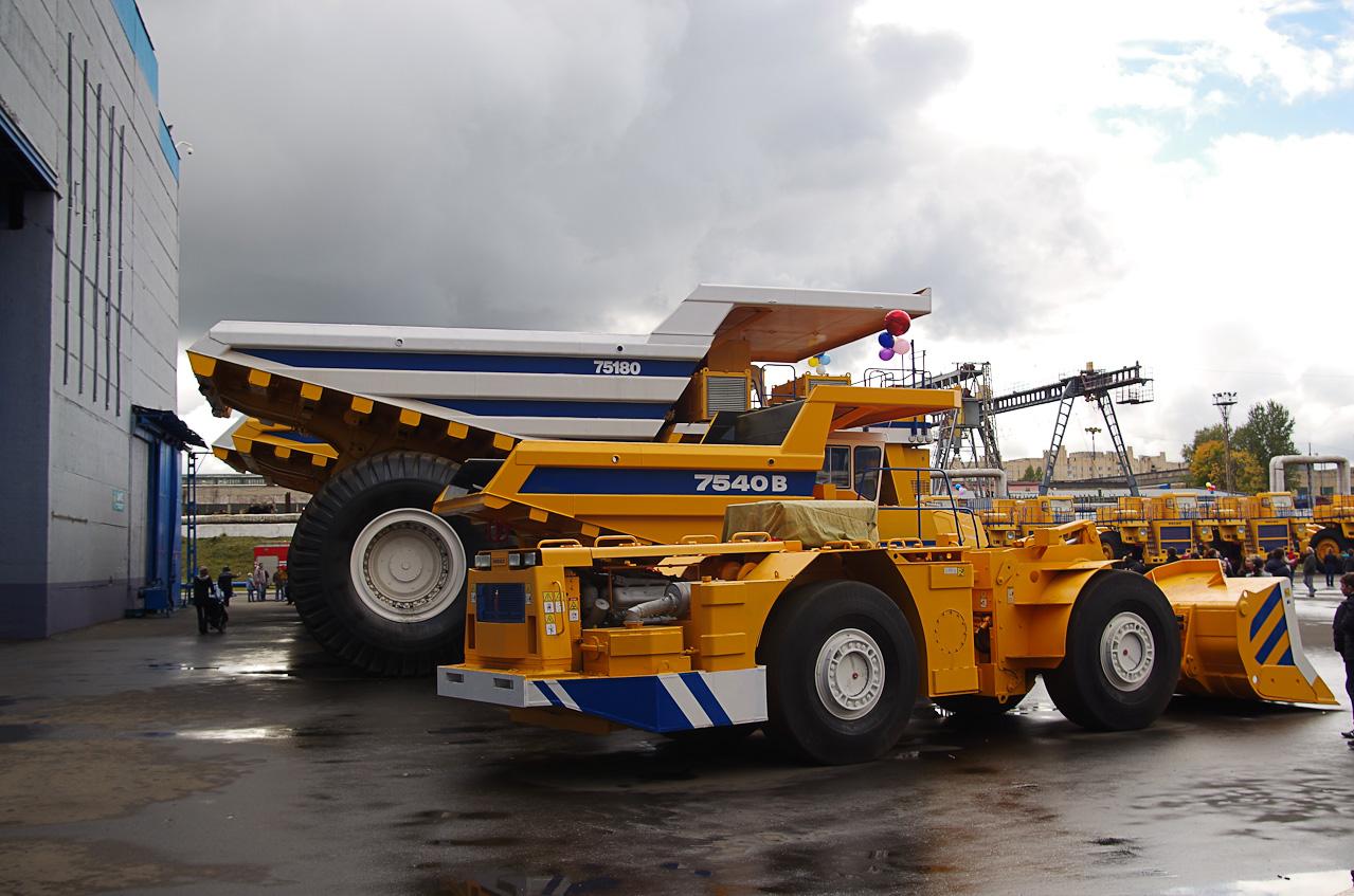 0 92895 daf2e1cc orig Как делают гигантов    БелАЗы.