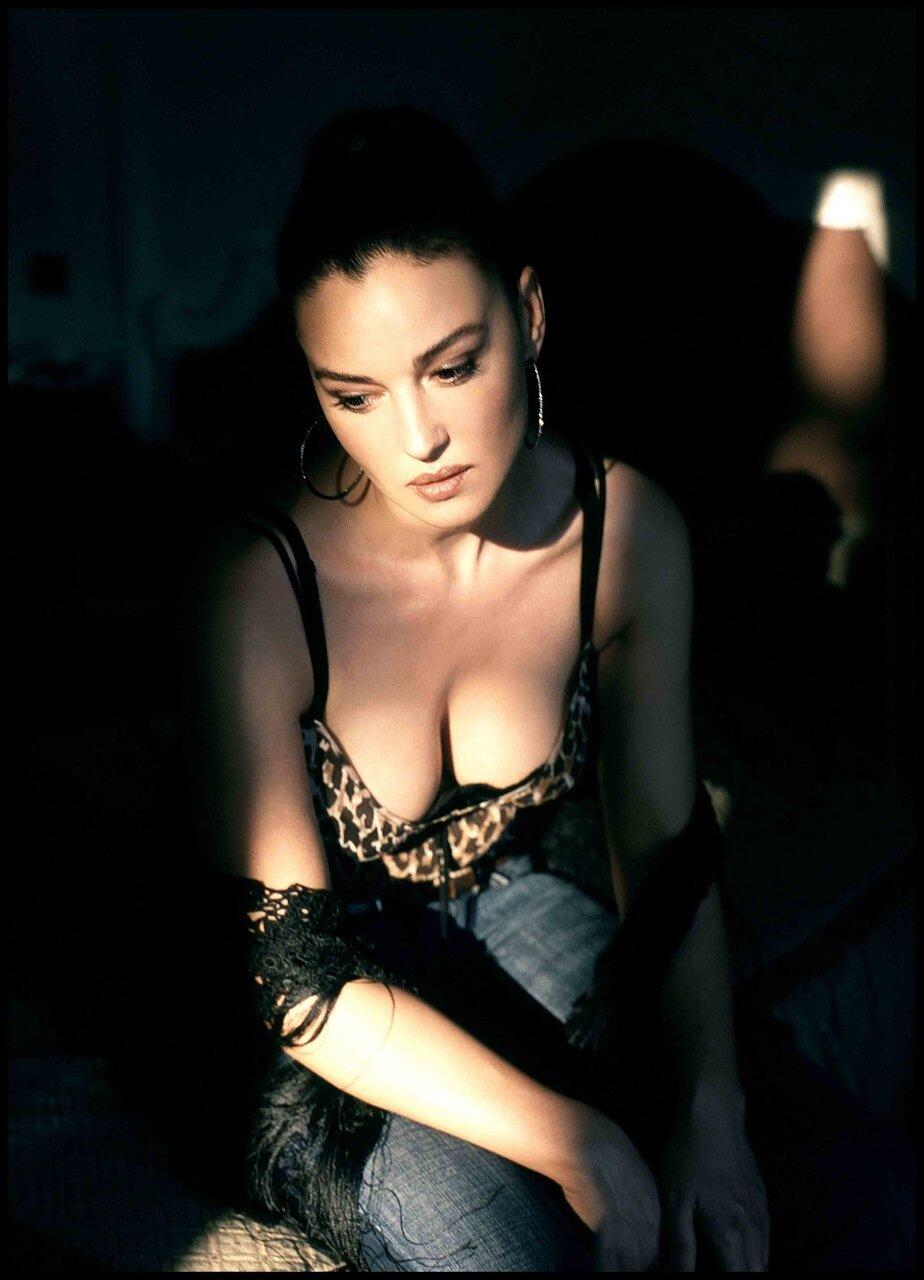 2003: Monica Bellucci © Adolfo Franzo' / Grazia Neri