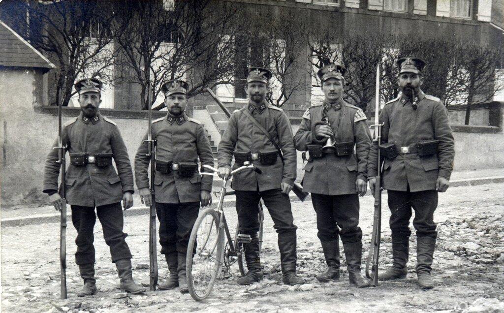 Five Landsturmmanner from the 52nd Infanterie Brigade