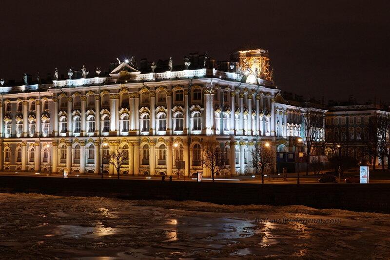 Эрмитаж с Дворцового моста, зимний ночной Питер