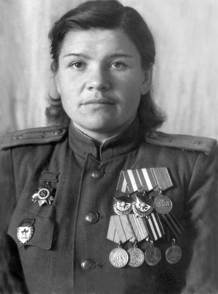Женщины-герои во времена вов