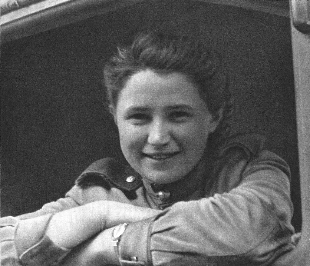 Советские женщины в рисунках 8 фотография