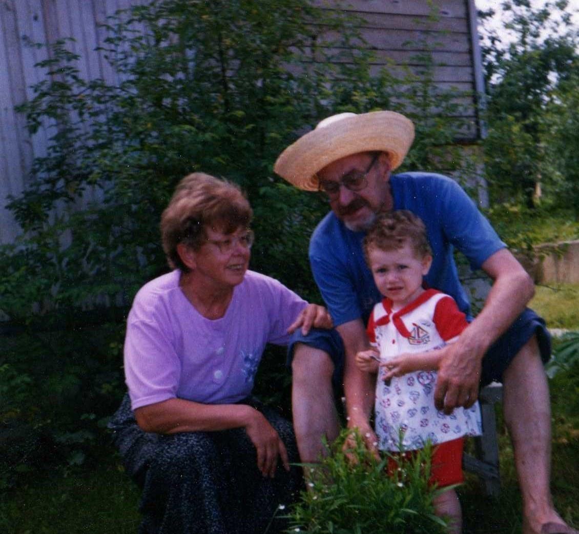 С братом и внучкой.jpg