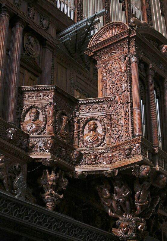 Tarragona Cathedral. Organ. Organ.