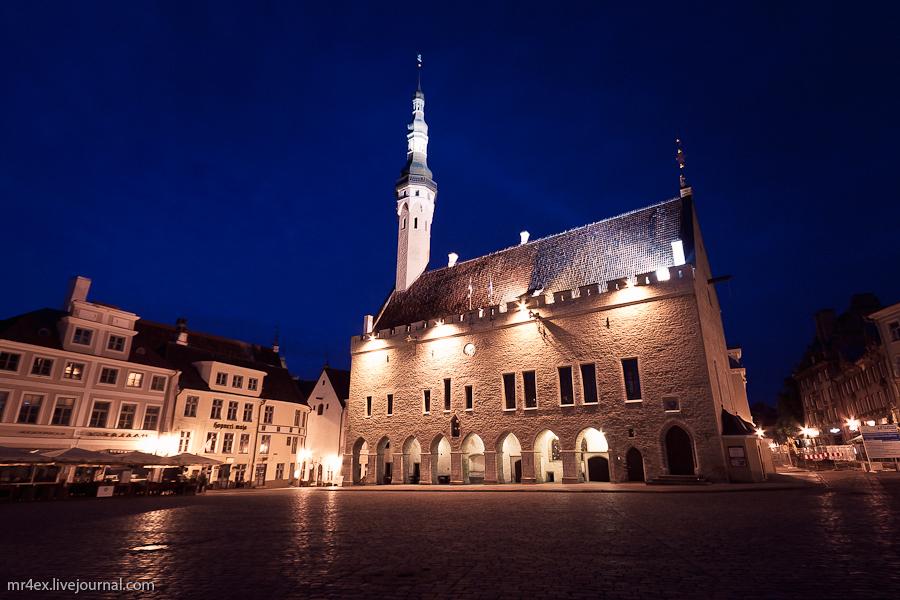 Эстония, Ночной Таллин, Старый город, Ратуша в Таллине