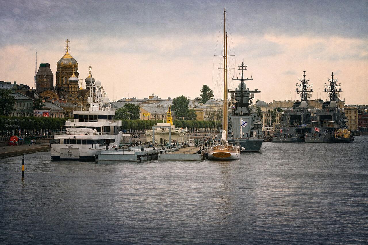 СПб корабли возле Красина