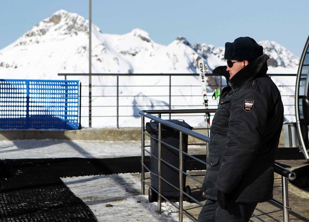Полицейские посты и патрули, которые обеспечивают охрану горнолыжных трасс (2)