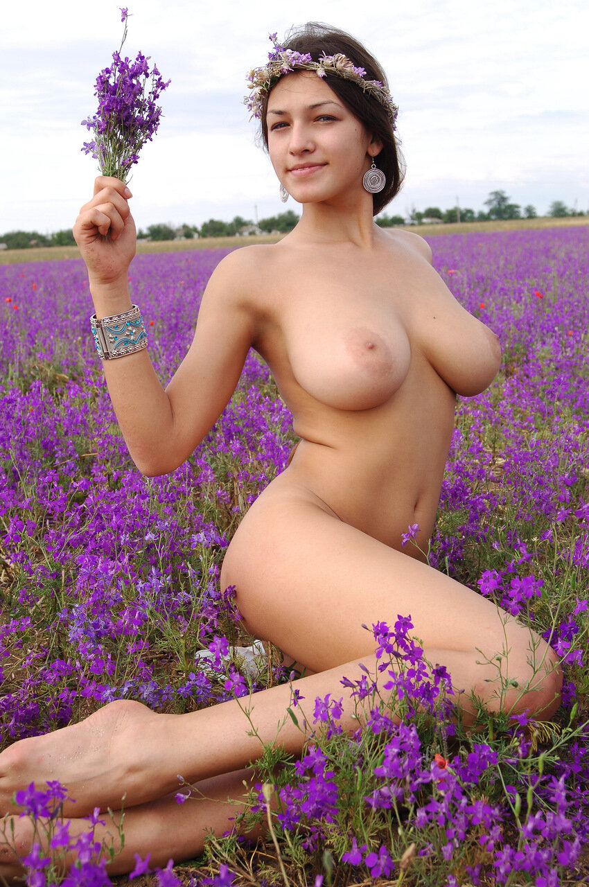 flower with naked girls